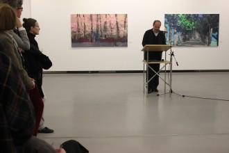 Dr. E. Gillen eroeffnet die Ausstellung in der Kommunalen Galerie Berlin 2011